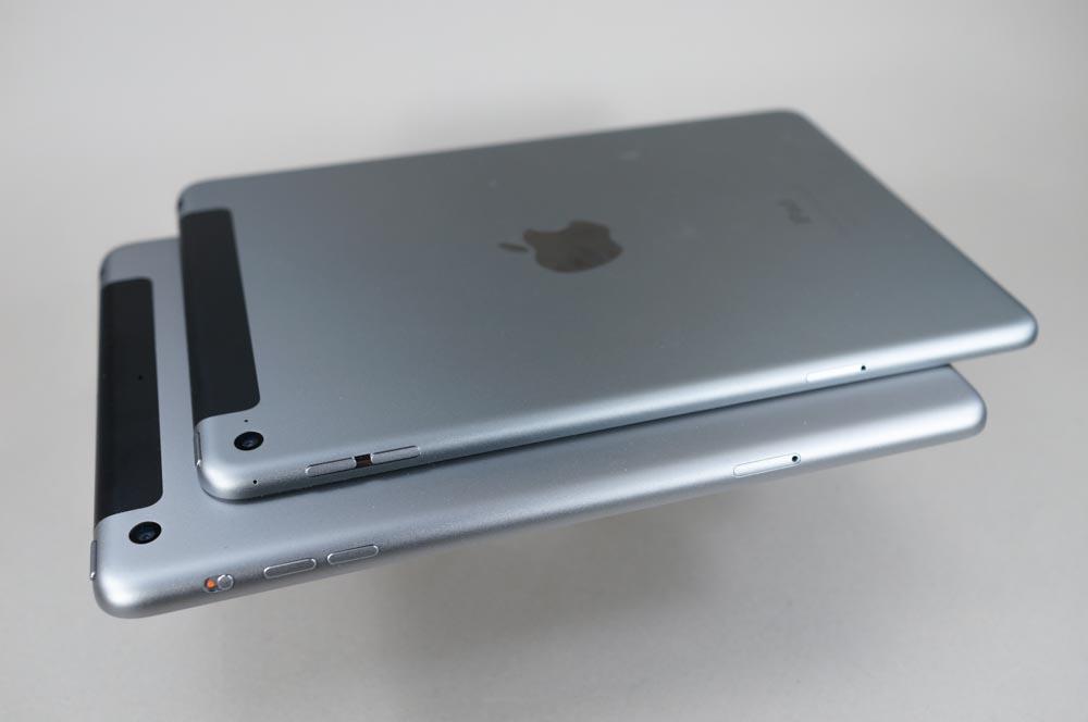 iPad mini 4(上)ではスライドスイッチがなくなっている