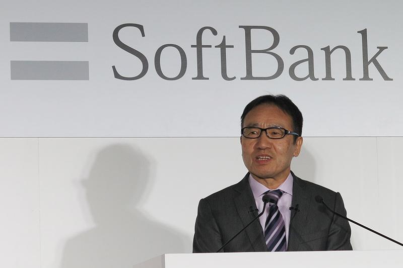プレゼンテーションを行ったのはソフトバンク代表取締役社長兼CEO、宮内謙氏