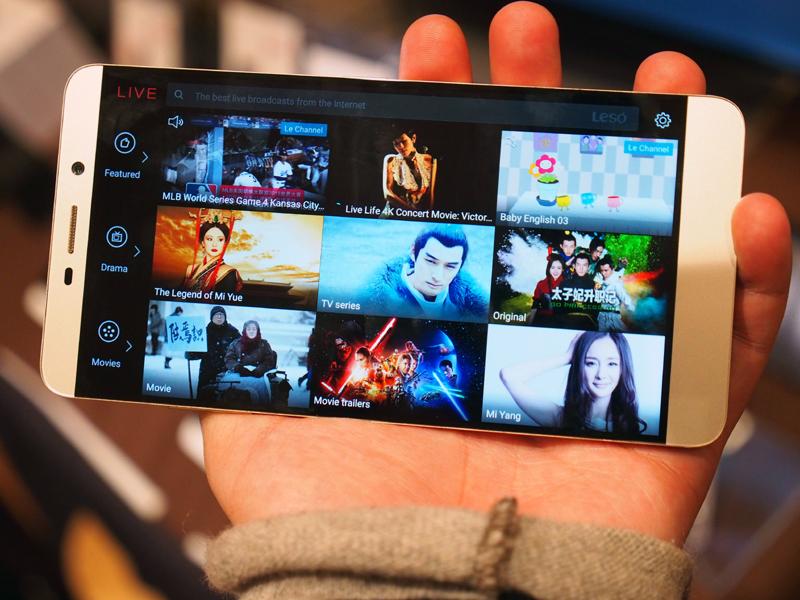 動画コンテンツへのアクセスが容易なUIを採用