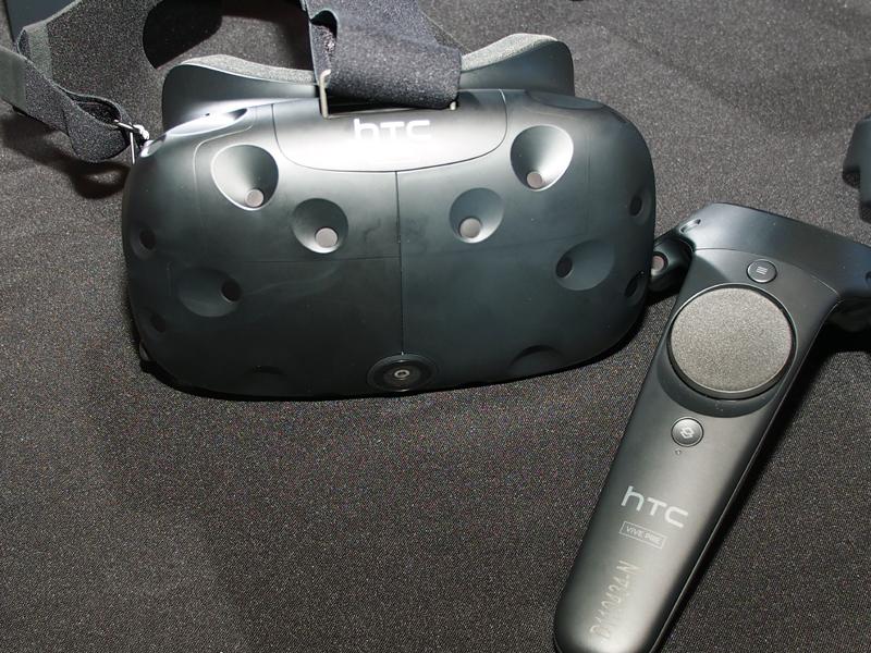 HTCが開発したヘッドマウントディスプレイ「Vive」
