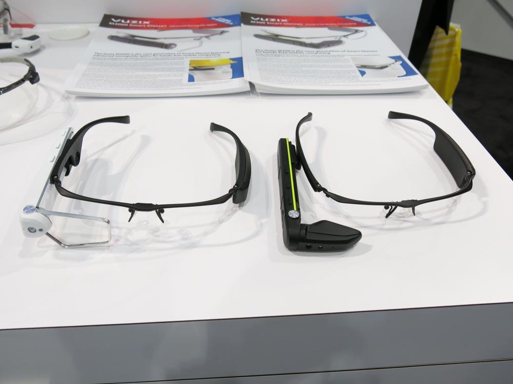 M3000(左)とM300(右)