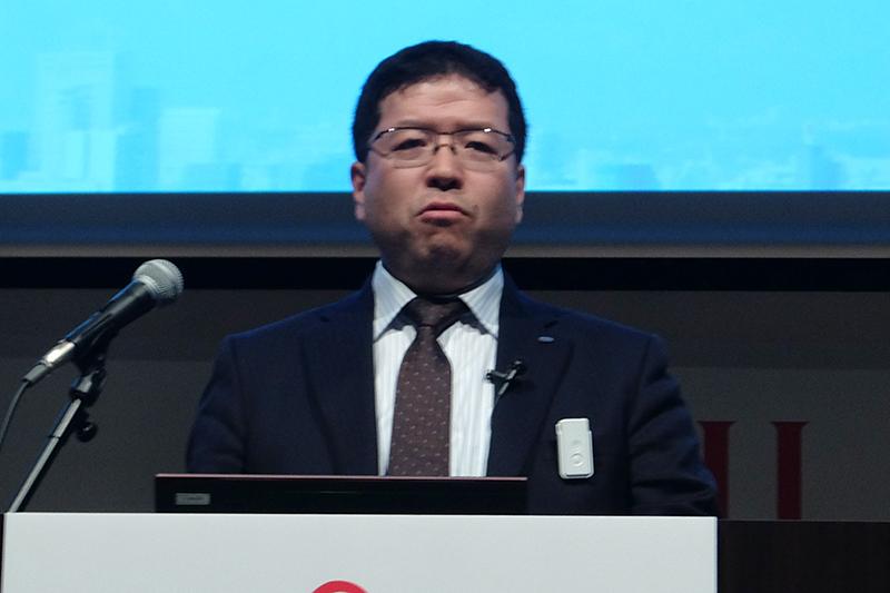 サービスの説明を行った富士通 ユビキタスビジネス戦略本部長代理 松村孝宏氏
