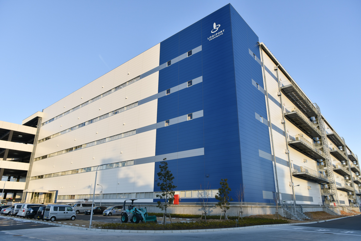 「KDDI東日本物流センター」が入る神奈川県相模原市の「ロジポート橋本」