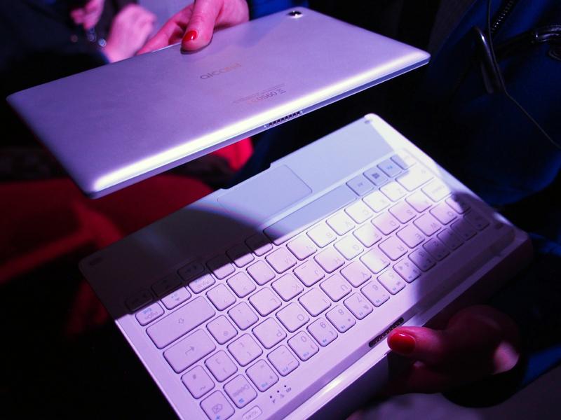 2-in-1スタイルのWindows PCとなる「PLUS 10」