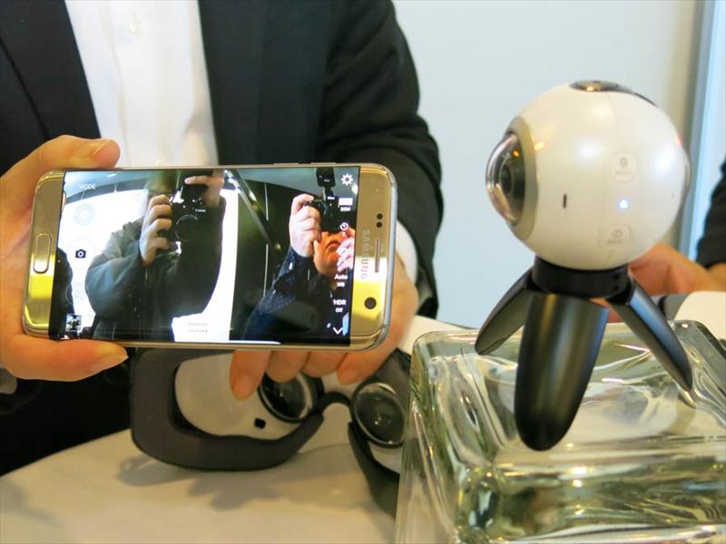 専用アプリは撮影時のファインダーとしても利用できる