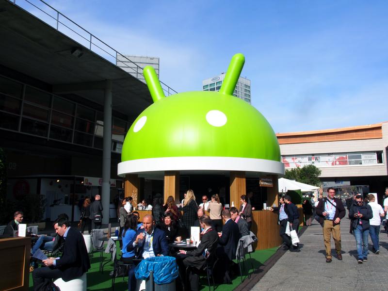 Gooogleは、技術や製品の披露というより、マーケティング的な色合いの濃い展示を行っている
