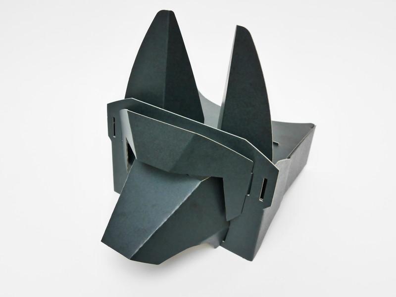 ハコスコ社と共同開発したという組み立て式のVRゴーグル
