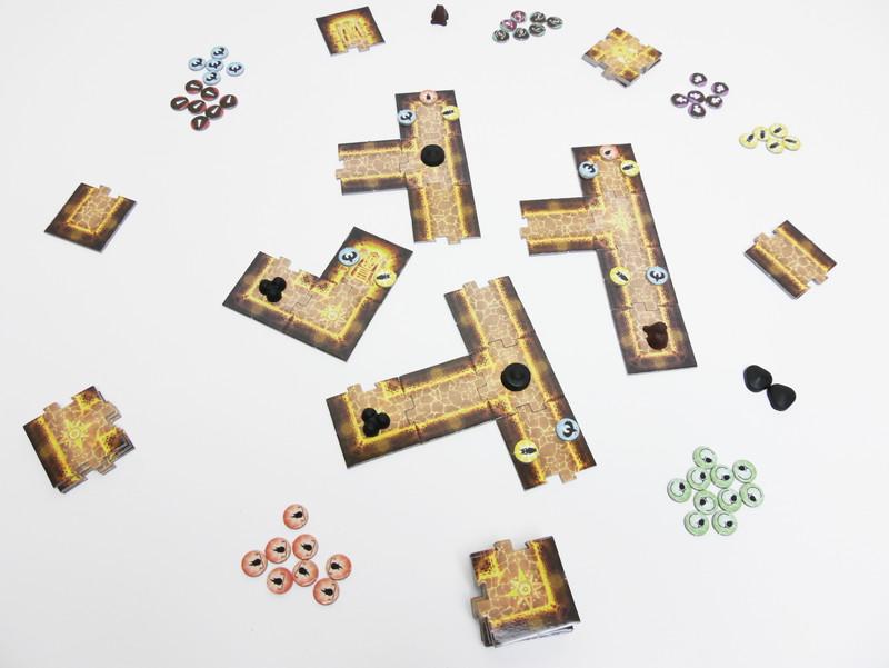 地図の断片から共通点を見つけて迷宮を作り上げよう