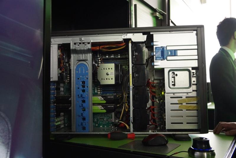 GeForce GTX 1080を2基搭載