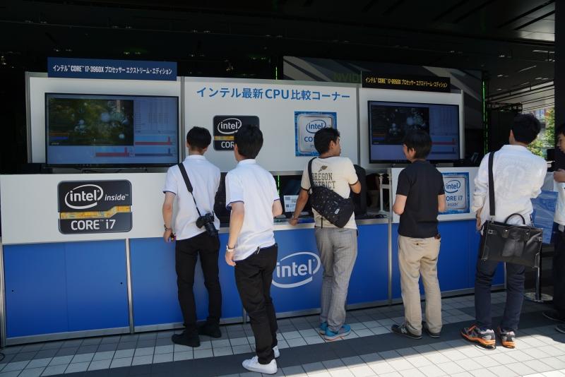 Intelもブースを構え、Broadwell-EのCore i7-6950X搭載PCの展示や抽選によるプレゼンTの提供などを行なっていた