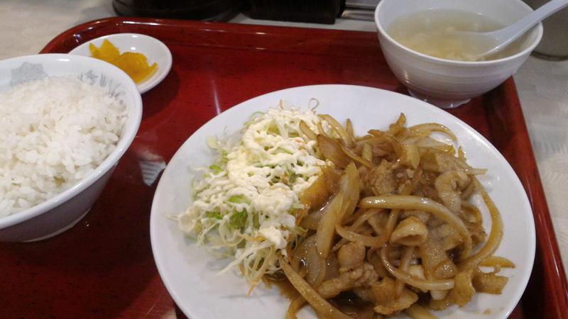 生姜焼き定食+餃子(写ってませんが)