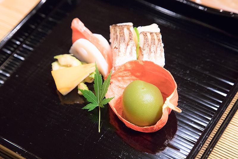 鰤の焼目寿司、烏賊の雲丹焼、白瓜雷干し