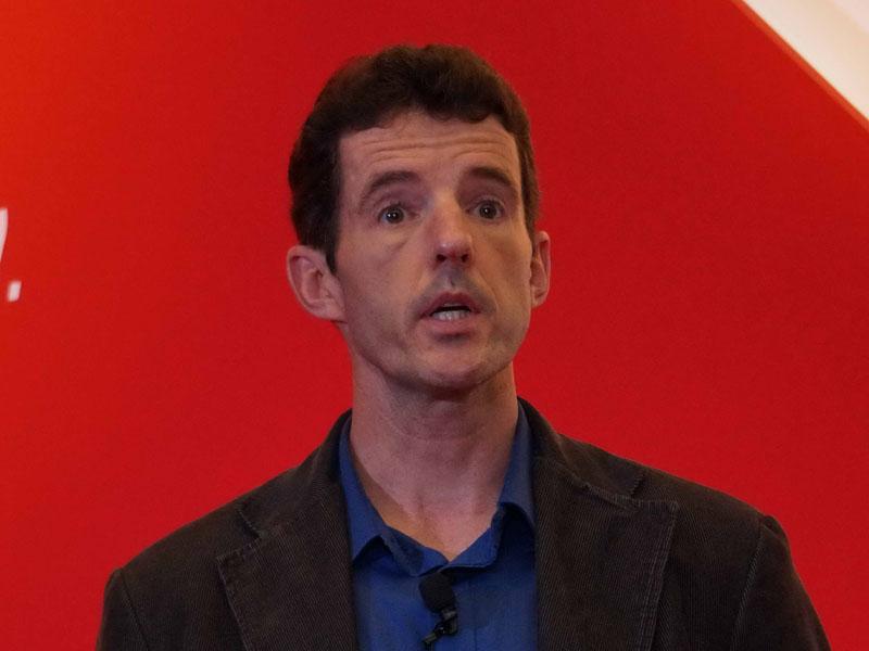 Samuel Naffziger氏(Corporate Fellow, AMD)
