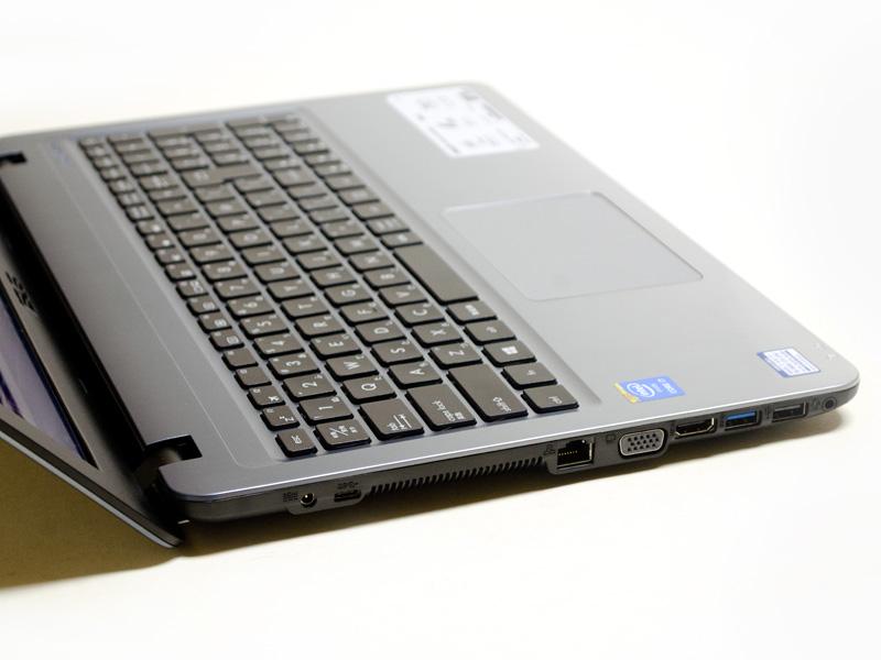 左側面には電源入力、USB 3.1 Type-C、Ethernet、ミニD-Sub15ピン、HDMI、USB 3.0、USB 2.0、音声入出力