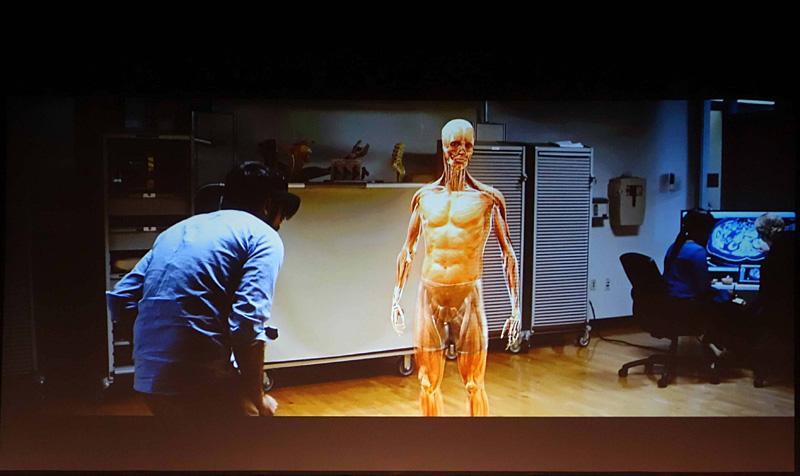 HoloLensで実現する拡張現実