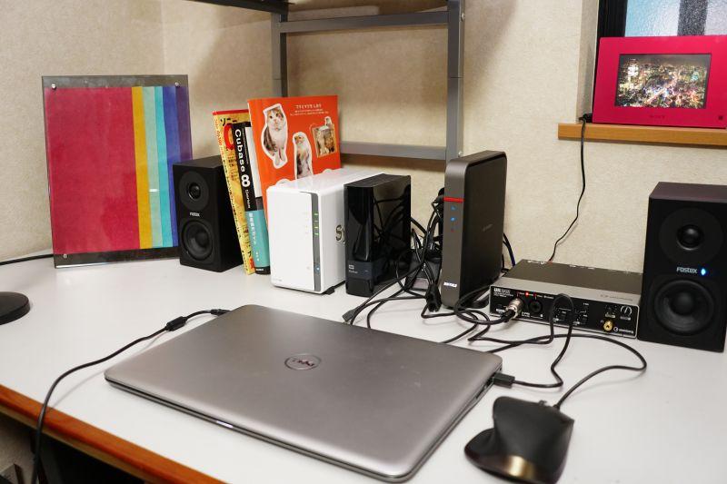 筆者自宅の仕事机