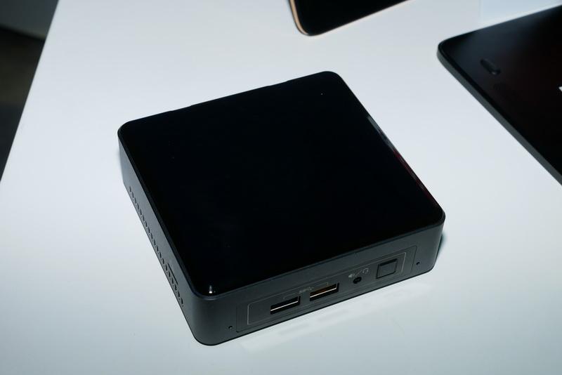 Intelブースに展示されていた、第7世代Coreプロセッサ搭載NUC。こちらはCore i3-7100U搭載の「NUC7i3BNK」