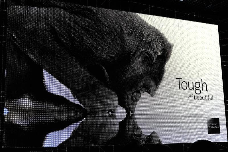 Corning製Gorilla Glass