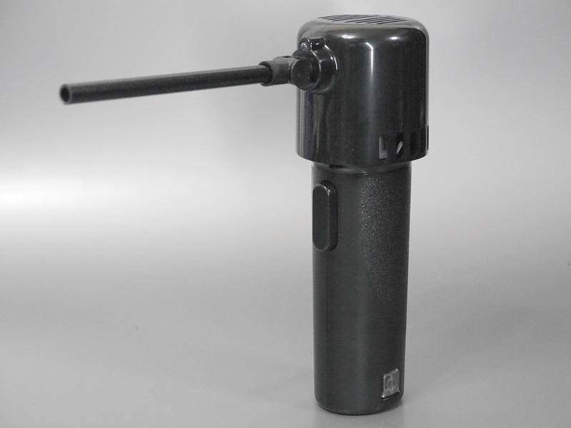 製品本体。高さは196mm。重量は444gで、ガス式のエアダスターとほぼ同等