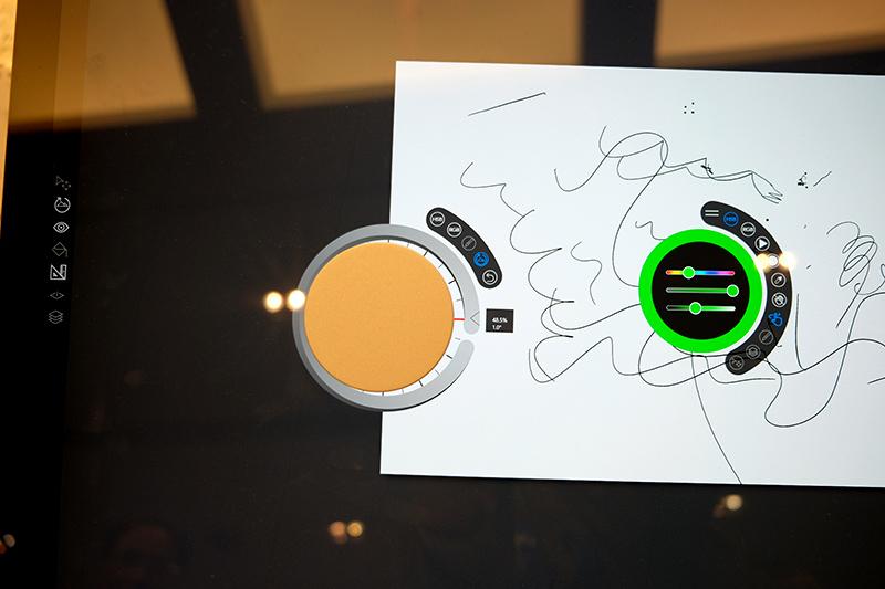 Surface Dialを使用したズーム/回転