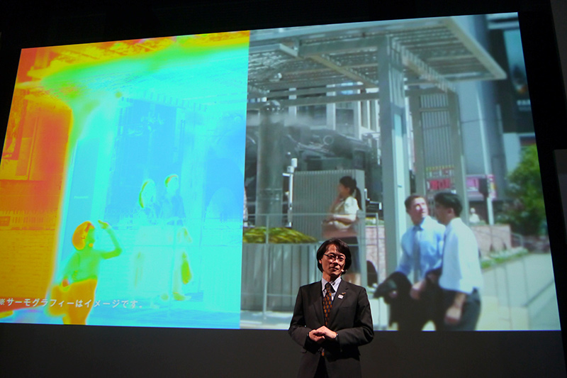 2016年夏にJR新橋駅前で実証実験を行なったグリーンエアコンシェルター