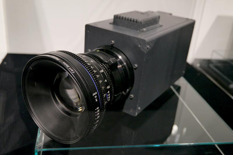 8Kボックスカメラを参考展示
