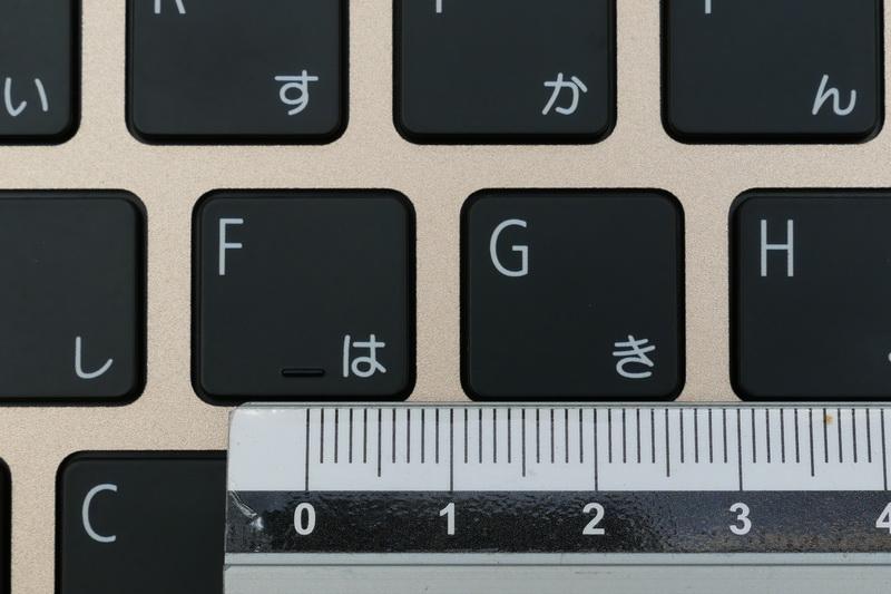 主要キーのキーピッチは約19mmフルピッチを確保