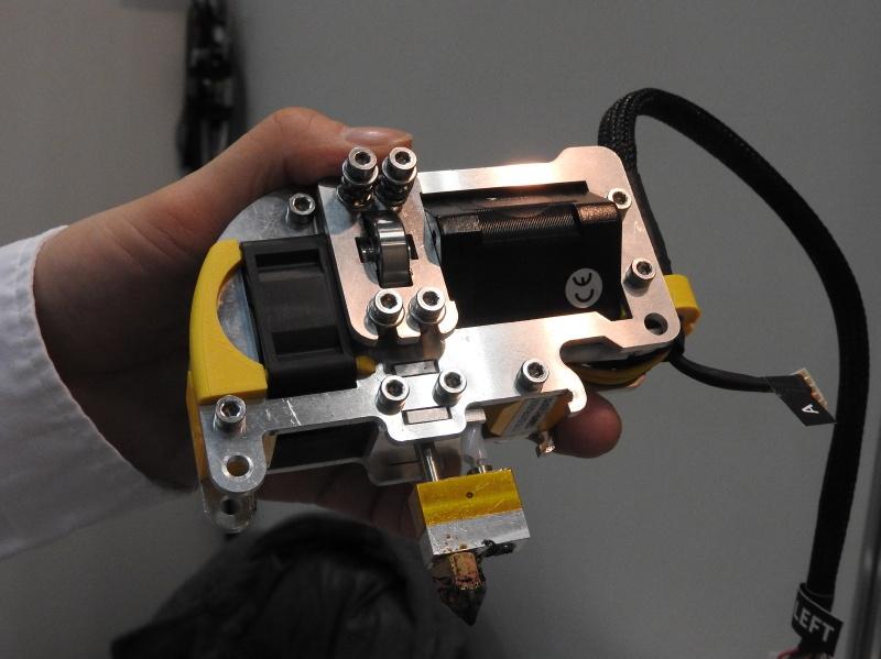 Zmorph用のエクストルーダーヘッド。このヘッドに交換することで、FDM方式の3Dプリンタとして利用できる