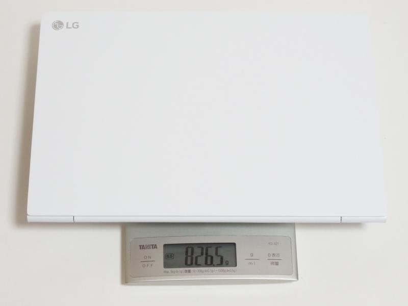 13Z970-ER33Jの本体実測重量は826.5g