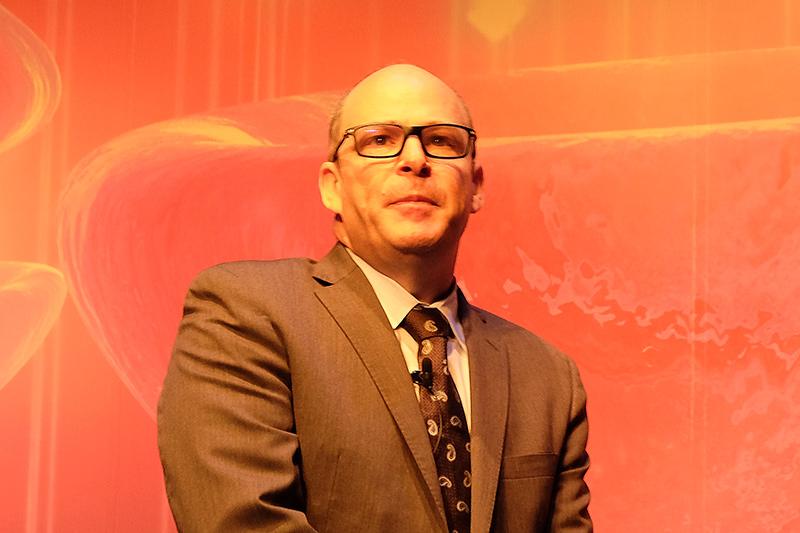 米Intel データセンター事業本部 アクセラレーター・ワークロード事業開発本部長のBarry Davis氏
