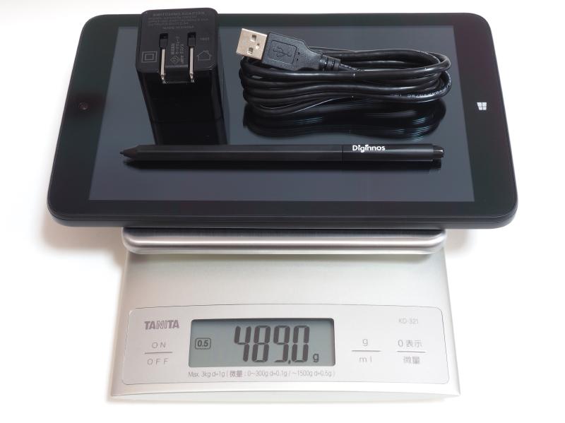 本体、ACアダプタ、Micro USB-USB変換ケーブル、筆圧感知機能付きペンの合計重量は実測489g