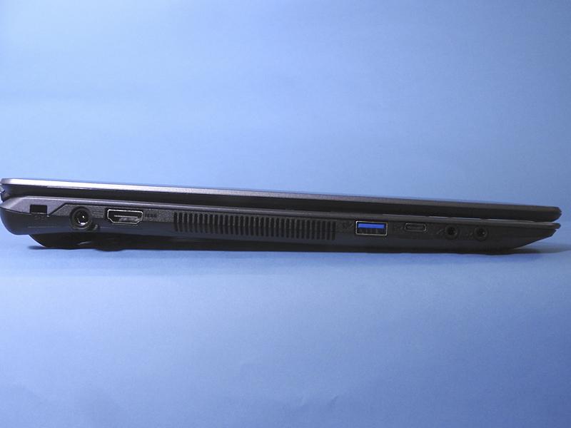 左側面には、HDMI出力、USB 3.0、USB 3.0 Type-C、ヘッドホン出力、マイク入力が用意されている