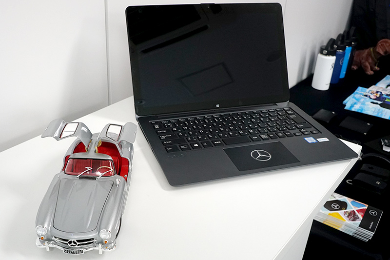 300SLのモデルカーとVAIO Z