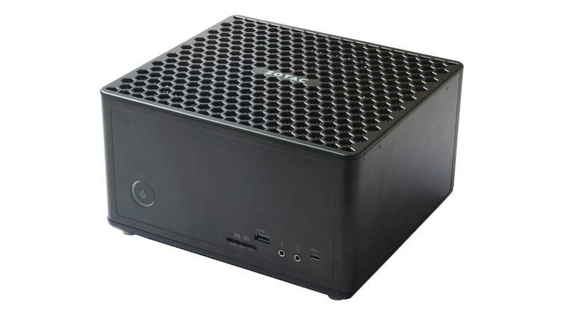 フルサイズのGeForce GTX 1060や1070を搭載する「MAGNUS EK」シリーズ