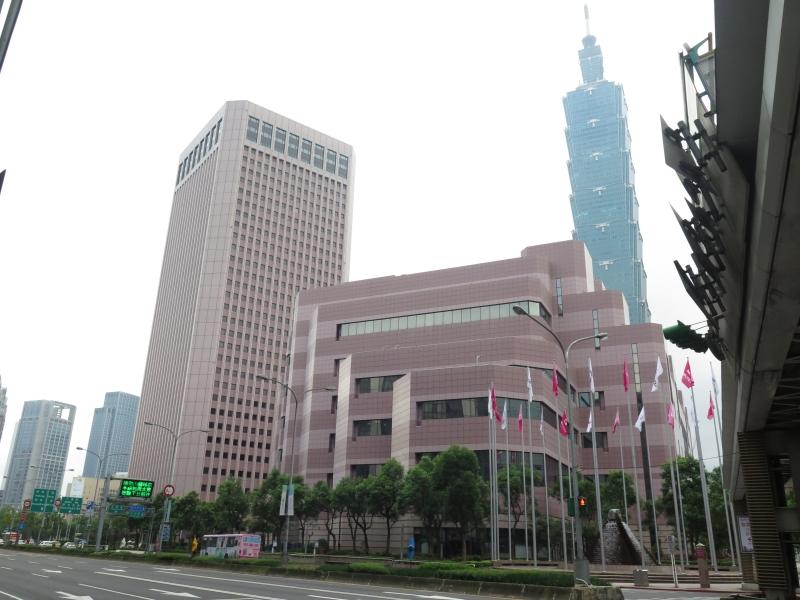 台北101に隣接するTICCおよびTWTC