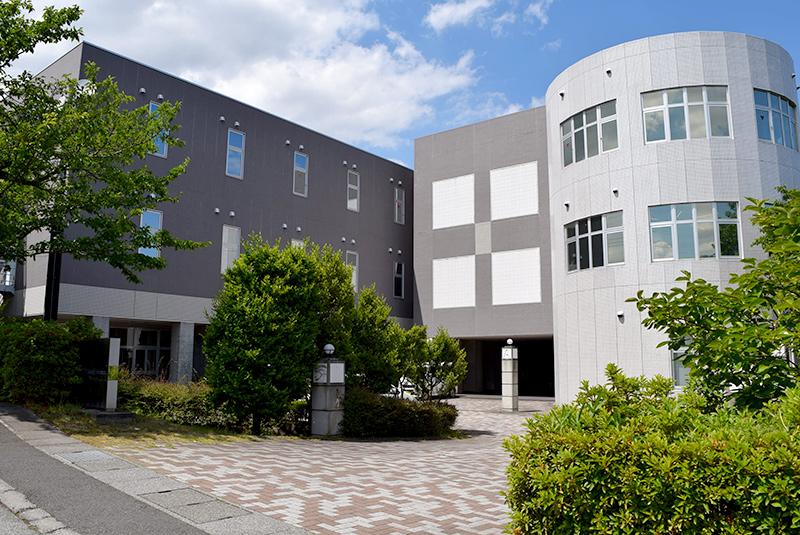 開発センターがある山梨県甲斐市