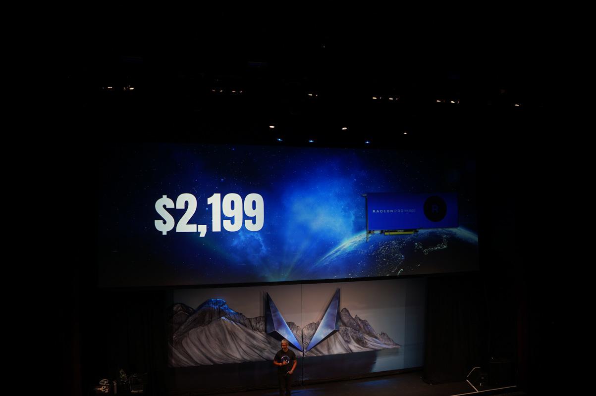 価格は2,199ドル