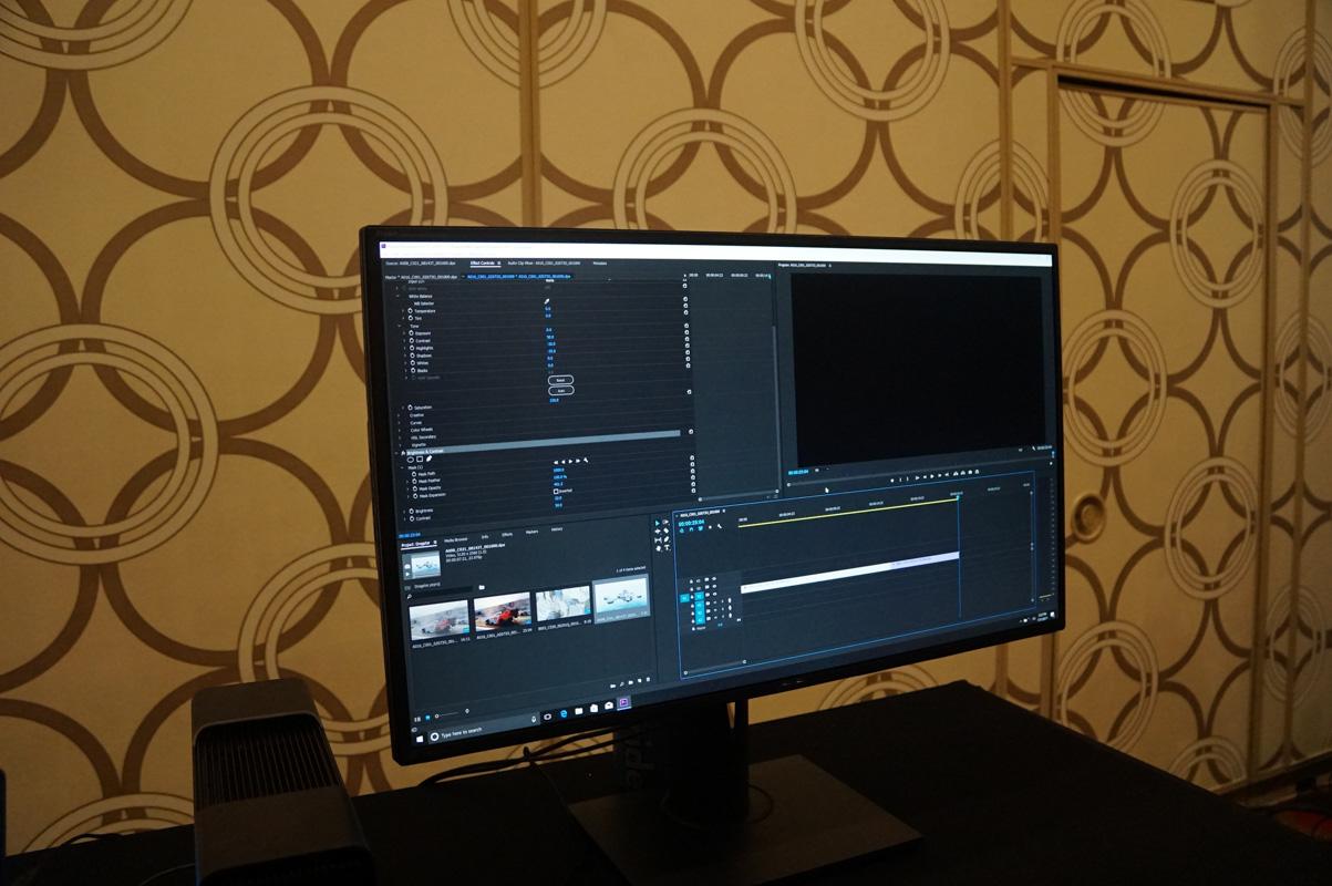 TITAN Xと外付けGPUボックスの組み合わせでPremiere Proを利用しているところ