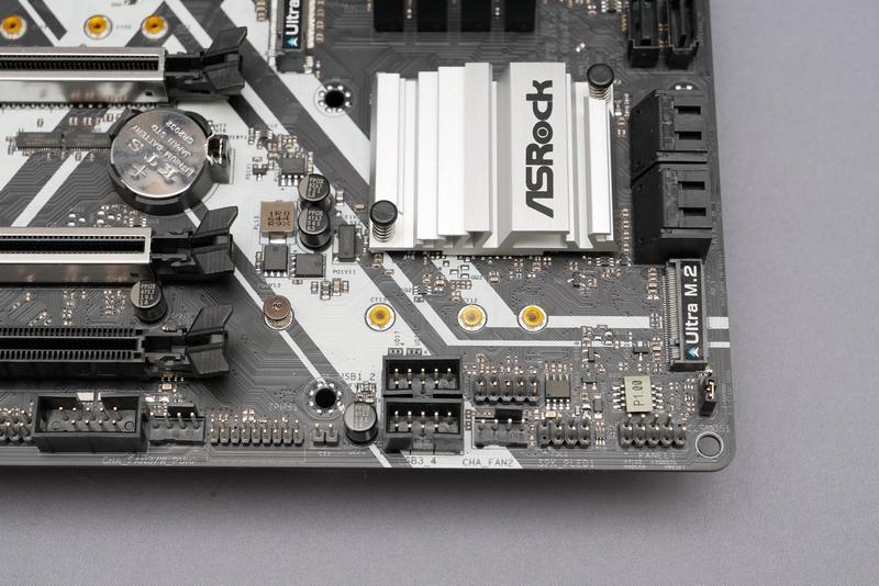 Intel Optaneメモリーは、マザーボードのM.2スロットに取り付ける