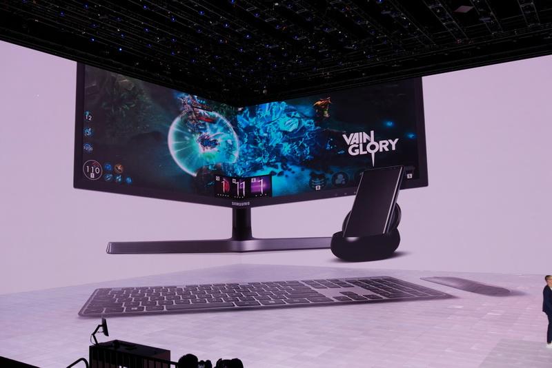 Samsung DeXを利用すれば、モバイルゲームを外付けディスプレイに全画面表示し、キーボードとマウスでプレイ可能