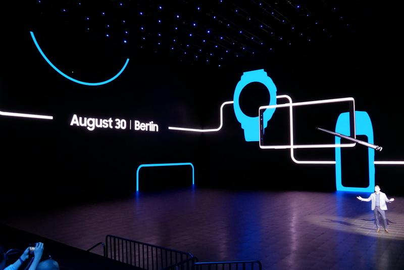 8月30日にベルリンで何らかの発表を行なうことも示唆。表示内容から、スマートウォッチ「Samsung Gear」シリーズなどを発表か