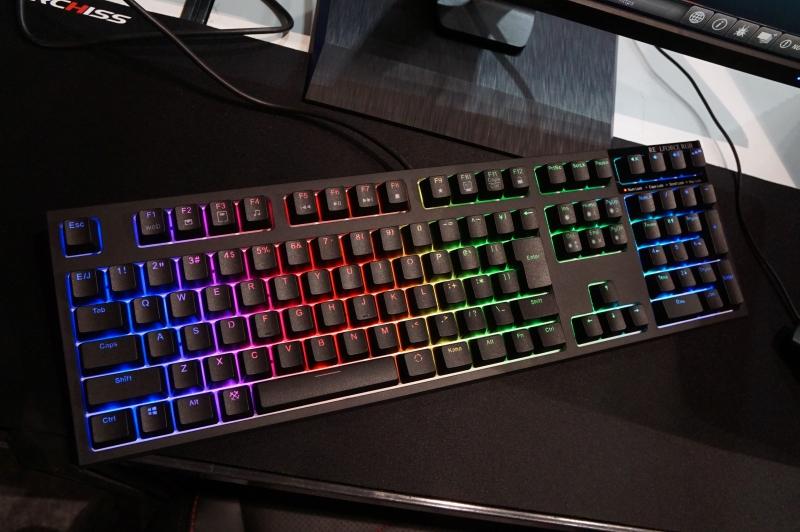 すでに発売済みのREALFORCE RGBも展示されている
