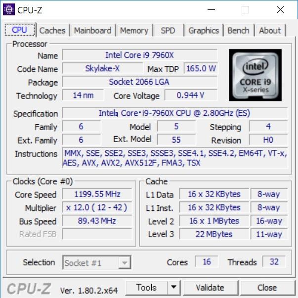 基本クロックは2.8GHz、TB 2.0の上限クロックは4.2GHzだが、全コアが動作するさいの上限クロックは3.6GHz(独自調査)だった