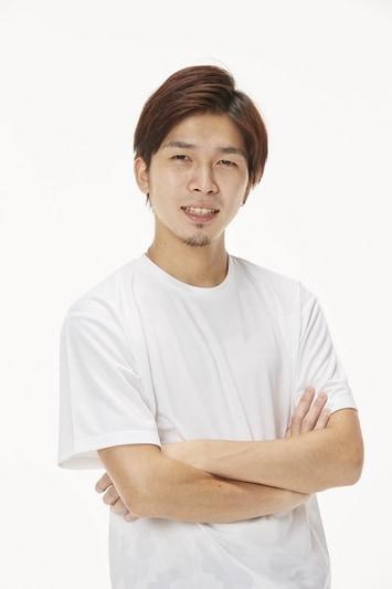 ガチくんプロフィール: 広島県出身の格闘ゲームプレイヤー。ストリートファイターVでは、世界トップレベルのラシード使いとして名をはせる。2017年より東京に移住し、ストリートファイターVの取り組みに専念。Capcom Pro Tour 2017では、3つの世界大会で準優勝という輝かしい成績を収めている。