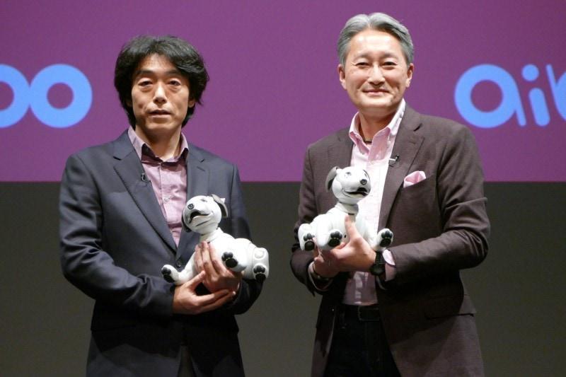 執行役員ビジネスエグゼクティブ AIロボティクスビジネスグループ長 川西泉氏(左)と平井一夫氏(右)