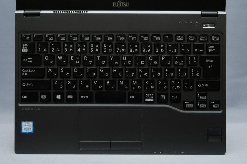 LIFEBOOK UH75/B3のキーボード(撮影:平澤寿康氏)