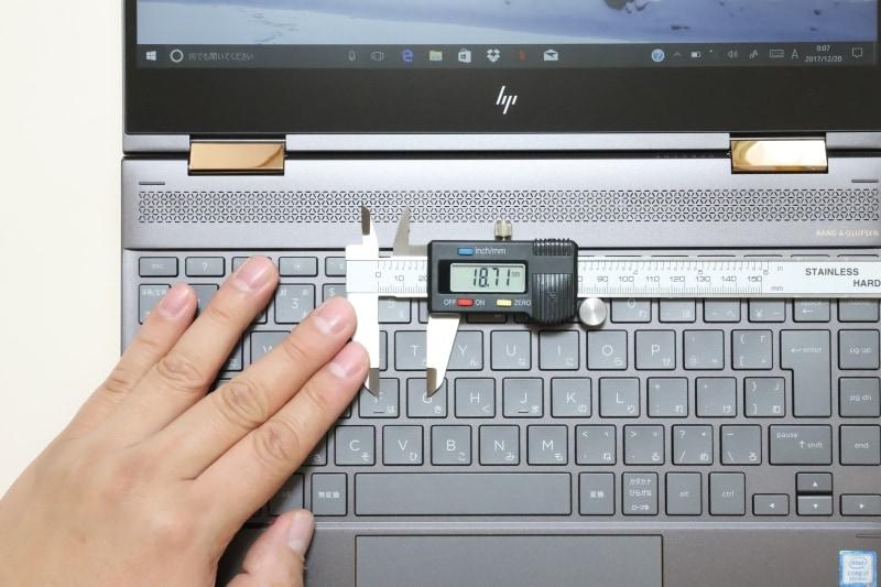 キーピッチは約18.7×18.7mm、キーストロークは約1.3mm