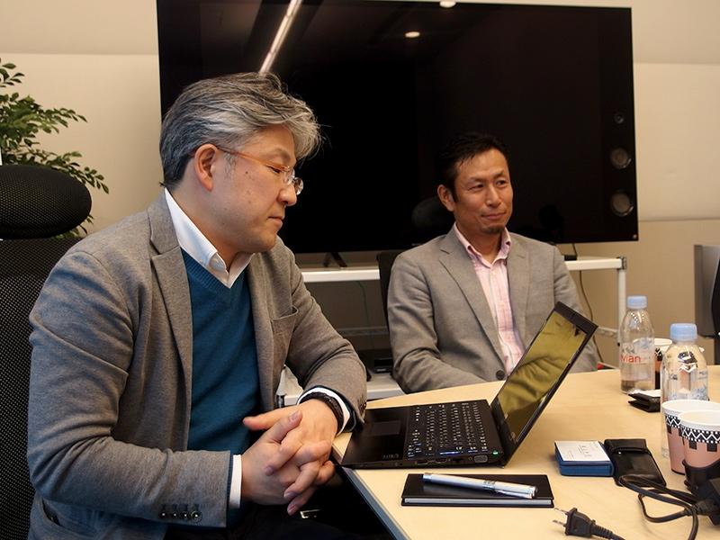 事業部統括部長の2名。矢部雄平氏(左)と松井直哉氏(右)