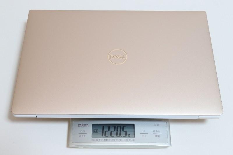 本体の重量は実測1,220.5g。カタログ値(1.21kg)よりわずかに重かった