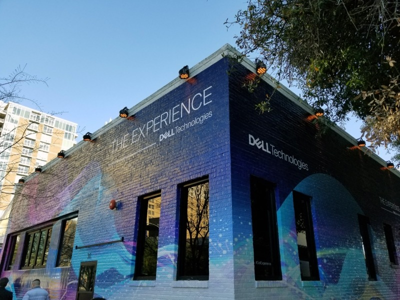 Dellの展示会場、普段はレストランのようだった